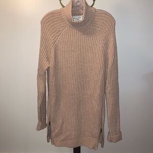 Abercrombie & Fitch turtle neck sweater